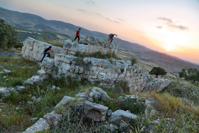 06-exploring-roman-ruins-samaria-sebaste-670